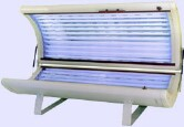 Indoor Tanning Tied to Burns, Fainting, Eye Injuries: Study
